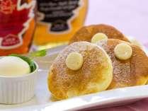 一番人気の「パンケーキ」ふわっふわな生地を一口ほおばると、美味しい香りが口の中にやさしく広がります。