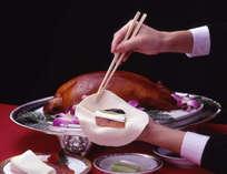 【ディナービュッフェ】豪華な中華料理に欠かせない北京ダックもライブパフォーマンスでご提供。