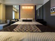 【プレミアムダブル】24平米に160cm幅のベッド。和テイストにモダンなデザイン。寝具もこだわりました。