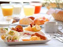 ★朝食バイキングイメージ/和食・洋食を取り揃えた充実のバイキング。