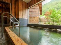 男性内湯。作並温泉は「美女づくりの湯」として有名です。