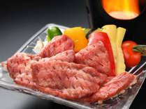 """仙台といったら""""牛タン""""を食べなきゃ始まらない!仙台名物牛タンのアツアツ陶板焼きをサービス♪"""