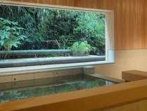 貸切風呂も源泉かけ流し!お客様だけの贅沢な空間と時間。