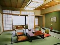本館・標準客室の一例。ちょっと広めの12.5畳や15畳のお部屋もございます。