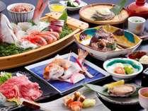 慶事プランのお料理イメージ。おかしら付きの鯛などお祝い向けの品々が並びます※舟盛は4名様盛り