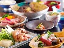 能登豚のステーキや人気のB級グルメとり野菜味噌鍋などの地元のお肉を味わうお料理です。