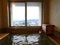 ≪貸切風呂≫最上階7階にあり、景色も良し!先着順でチェックイン時にご予約できます。