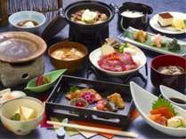 ■美味しい山形の味が満載!やまがたの味会席膳(山懐膳)