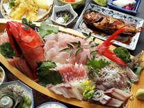 *漁師の宿ならではの新鮮な地魚の姿造りがのった舟盛!※一例です。