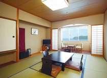 和室10畳のお部屋です。海側3階となります。