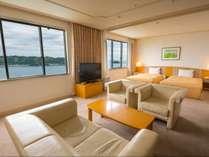 ホテル最上階13階の和洋室スイートルーム72平米(洋室+和室8畳付)