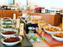 ご朝食バイキング会場は7:00~9:30まで営業しています(最終入場9:00)