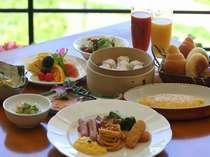 朝食は元気の源!種類豊富な和洋中モーニングブッフェで一日をスタート☆