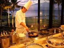 シェフがお客様の目の前であつあつの料理をお造りいたします
