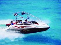 真栄田岬ジェットボード遊覧 岬の絶景と熱帯魚の餌付けがお楽しみいただけます