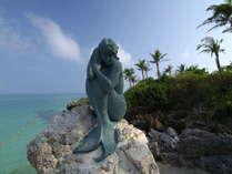 沖縄を代表する作家名嘉睦稔氏制作の人魚像