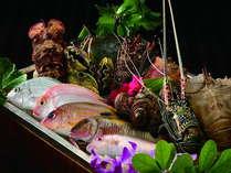 「和琉炉端焼 ゆらぎ月」では沖縄県産食材をふんだんに使用した料理をお楽しみ頂けます