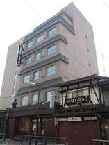 JR高山駅から徒歩3分の好立地!