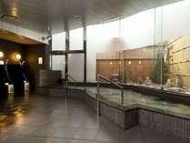男性大浴場です。御利用時間は、15:00~2:00および5:00~9:30です。