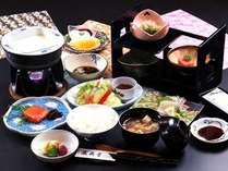 ☆地元食材を使ったボリューム満点の和朝食です