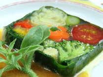 ☆単品一例☆旬の素材がギュッと詰まった~春野菜のモザイク寄せ~