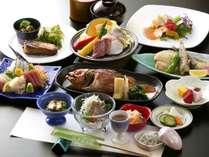 地魚を中心に地野菜や常陸牛などの食材を使い、茨城の美味しいを盛り込んだ黒潮膳イメージ