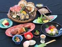 茨城県北地域の、海山の幸をふんだんに使った贅沢な「常陸の宴プラン」(宝楽焼きは2人前)