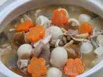 自家製味噌仕立ての「ざくざく鍋」なつかしい味わい