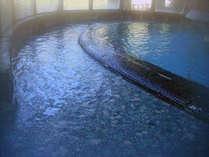 湯量豊富なかけ流し。源泉からそのままの天然温泉です。とにかく「体験」を♪♪