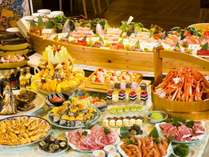 浜焼き、焼肉、お刺身、和洋中の料理とスィーツ!好きなモノを好きなだけ召し上がってください