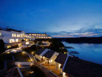 心地いい風と海の香り、日本でも有数の美しさを誇る英虞湾を一望できる絶景のロケーション。