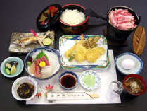 *【夕食一例】山里の恵みをふんだんに使用した、山菜・川魚料理をご用意いたします。