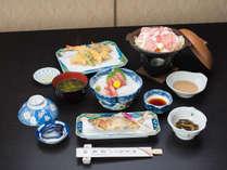 *【夕食一例】山菜や川魚等を使用した山の恵みたっぷりのお料理をご用意いたします。