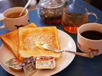 390円の朝食はトースト・珈琲/紅茶・ドリンク・日替わりスープがおかわり自由です。