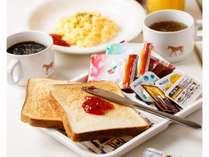 トースト、コーヒー、ドリンク、スープの食べ放題飲み放題の朝食を宿泊の皆様にご用意しております。