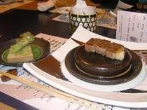 前沢牛のステーキ。摺りたてのワサビを添えて、食べると一味ちがいます!