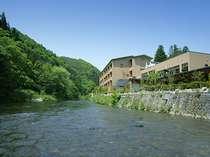 豊沢川から見た、志だての全景