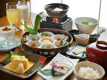 朝食イメージ地元の食材を使用した体に優しいメニューです。