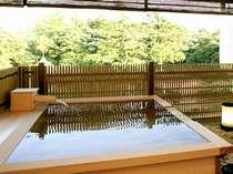 四季の移ろいを愛でる客室露天風呂