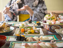 彩り鮮やかな九谷焼も食欲をそそる美しさ
