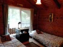 木の温もりがやさしく感じられる客室