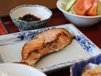 和食朝食の一例(バイキング)
