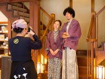 和にレトロな雰囲気の館内は、撮影ポイントたくさん!仲良しカップル・ご夫婦でパシャリ♪