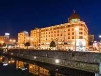小樽運河にはマイステイズグループホテル3件が建ち並びます(手前からノルド・ソニアII・ソニアI)