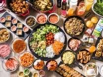【朝食】北海道の食材を使用した朝食。お刺身をお好きなだけ使い勝手丼を。もちろん洋食も多数の品揃え。