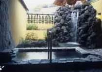 個室貸切露天風呂「月雫の湯」洗面台&洗い場も完備※11種類の貸切露天風呂一例