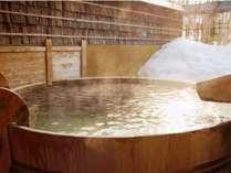 11種類の貸切露天風呂一例「酒樽の湯」