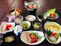 夏のお食事一例採れ立ての夏野菜をお楽しみ頂けます