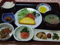 【朝食】7:00~9:00まで食堂にてお召し上がり下さい
