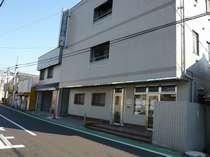 ビジネスホテル岡本越谷店 (埼玉県)